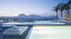 Las piscinas «infinity» más alucinantes de España y del mundo. Alicante