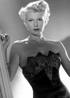 gatabella:  Rita Hayworth, The Lady From Shanghai, 1947