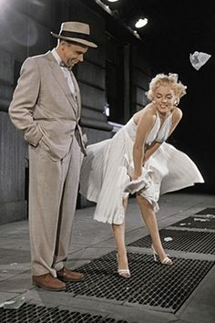 """1955: Marilyn Monroe in a white dress standing above a subway grating with the dress being blown upwards - during the filming of """"The Seven Year Itch"""" …. #marilynmonroe #pinup #monroe #normajeane #hollywoodicon #iconic"""