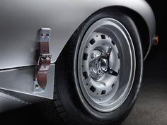 jaguar rebuilds 'missing six' lightweight E-type's with aluminum bodyshells