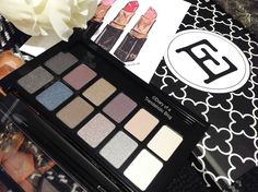 Maybelline The Rock Nudes Palette: review + swatches