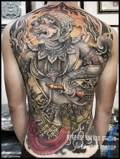 What does thai tattoo mean? We have thai tattoo ideas, designs, symbolism and we explain the meaning behind the tattoo. Hanuman Tattoo, Yantra Tattoo, Sak Yant Tattoo, Buddha Tattoos, Body Art Tattoos, Sleeve Tattoos, Maori Tattoos, Tribal Tattoos, Thailand Tattoo