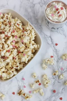 Popcorn | Sweet | Treat | Marble | Flatlay| More on Fashionchick.nl