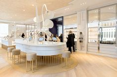 The Best Hotels in San Diego Dior Store, Jewelry Store Design, Parfum Paris, Luxury Collection Hotels, Perfume Store, Counter Design, Lifestyle Shop, Japan Design, Pop Up Shops