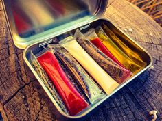 Drinking Straw Spice Containers! Put your favorite spices in these DIY heat-sealed tubes and put them in an Altoids tin for camping, backpacking, bushcraft and survival outings!