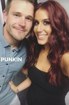 I love her hair color Chelsea Houska Hair Color, Red Brown Hair, Burgandy Brown Hair Color, Hair Icon, Long Brown Hair, Thick Hair, Pretty Hairstyles, Men's Hairstyle, Funky Hairstyles