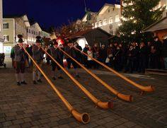 Alphornbläser (Alpenhorn players) at the Christmas Market ... Bad Tölz, Bavaria, Germany | by Bernd Krueger on Flickr