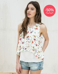 Front crossover print top. Discover this and many more items in Bershka with new products every week