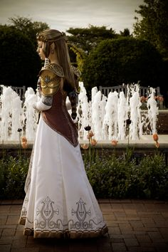 This was a weeding dress! That's fantastic, see? Even cosplays can be part of weddings! All of a sudden a Star Wars themed wedding doesn't sound so ridiculous does it?