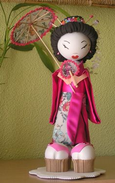 Geisha fofucha by cecilia Foam Crafts, Craft Stick Crafts, Arts And Crafts, Clothes Pin Ornaments, Biscuit, Clothespin Dolls, Kokeshi Dolls, Clothes Crafts, Sugar Art