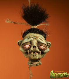 Shrunken Head sculpture by www.kreaturekid.com Halloween Friday The 13th, Halloween 2019, Tiki Art, Tiki Tiki, Voodoo Halloween, Stuff And Thangs, Odd Stuff, Creepy Pictures, Head Tattoos