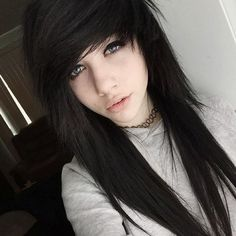 Haircuts and Emo Hairstyle Ideas Step by Step 2017 . - Hair -Haircuts and Emo Hairstyle Ideas Step by Step 2017 . - Hair -Haircuts and Emo Hairstyle Ideas Step by Step 2017 . Black Scene Hair, Emo Scene Hair, Black Emo Hair, Scene Girl Hair, Scene Bangs, Growing Out Short Hair Styles, Medium Hair Styles, Long Hair Styles, Hair Medium
