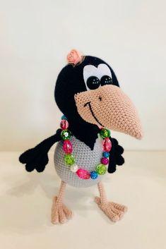 СХЕМА вязания вороны Алёны крючком #амигуруми #схемыамигуруми #вязанаяигрушка #игрушкикрючком #вязанаяворона #воронакрючком #amigurumipattern #crochetpattern #amigurumicrow #crochetcrow Crochet Animal Patterns, Crochet Doll Pattern, Stuffed Animal Patterns, Doll Patterns, Crochet Birds, Crochet Animals, Crochet Baby, Homemade Toys, Doll Tutorial