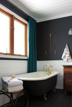 Best Colors To Use In Small Bathroom