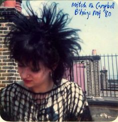 Back in the before the era of Hot Topic, or Cybergoth, The Batcave and Deathrock look was new—and much more commonplace in North American and Europe than it is today. 80s Goth, 80s Punk, Punk Goth, Vintage Goth, Goth Look, Goth Style, Riot Grrrl, Oldschool, New Romantics