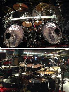 Pearl Drums Drums Artwork, Pearl Drums, Drum Music, Jazz Funk, Old Rock, Drummer Boy, Drum Kits, Lucky Star, Drummers