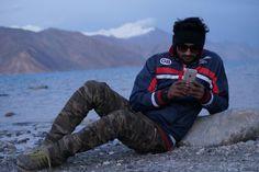 #pangong #lake #pangong #leh #ladakh #trip #frnds #terabhai #evening #time #photoshot