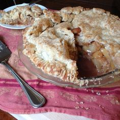 Gluten Free Vegan Apple Pie for Thanksgiving from @JessicaGlick21
