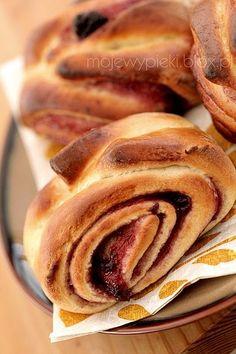 Słodkie drożdżówki z dżemem   Moje Wypieki Jam Roll, No Bake Treats, Cravings, Rolls, Bread, Cookies, Baking, Breakfast, Ethnic Recipes