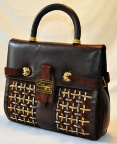 love......must .....have....this....bag