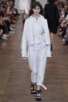 Christian Wijnants ready-to-wear spring/summer '17 - Vogue Australia