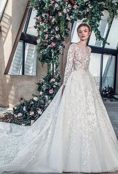 tony ward mariee 2019 long sleeves bateau neck full embellishment romantic princess a line wedding dress royal train (8) mv