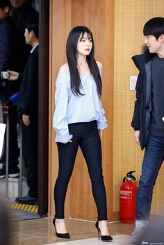 irene ♡ red velvet Times Irene Made Fans Drop Dead With Her FashionRed Velvet's Irene is one fashionable lady and here's 15 outfits that prove she should be your next fashion bible! Basic Outfits, Stage Outfits, Korean Outfits, Cute Outfits, Fashion Bible, Kpop Fashion, Korean Fashion, Fashion Outfits, Red Valvet