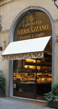 """-Cosa si può ordinare al bar? -Una focaccia e un caffè.  Ristorante """"Cantinetta dei Verrazzano"""" - Firenze, Italy"""
