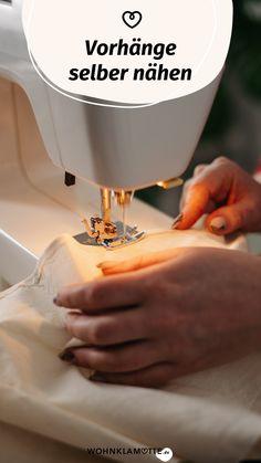 Bei uns im Magazin findest Du wertvolle Tipps und Tricks, wie sich Vorhänge ganz unkompliziert selber nähen lassen. Lass Dich von tollen Ideen inspirieren oder lass Deiner Kreativität freien Lauf. Sobald Du den passenden Stoff gefunden hast, kann das Projekt beginnen. Sewing, Tips And Tricks, Projects, Homes, Dressmaking, Couture, Stitching, Sew, Costura