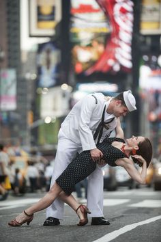 7 Breathtaking, Romantic Pictures of Couples Kissing From Dancers Among Us