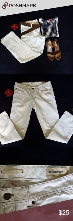 GAP Straight Leg Jeans GAP Straight Leg Jeans in white for summer.  These classic GAP jeans  will be your go to for all your summer events. Dress them up with heels or with your flip flops.  Never worn.  Excellent condition. GAP Jeans