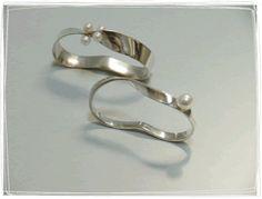 beautiful double finger rings by Yuki Kamiya