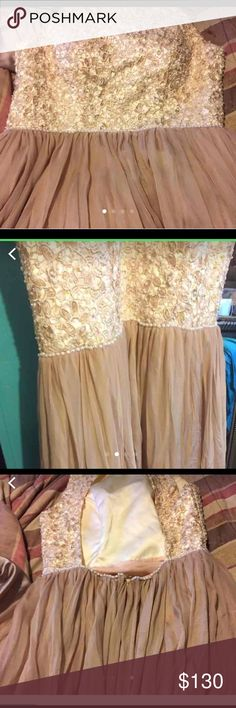 Prom dress It's good only worn once , size 8 . It's a long dress Dresses Prom