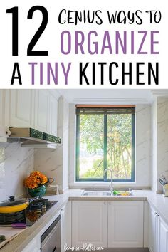 Do you have a tiny kitchen? Here are 12 genius kitchen organization ideas to maximize space in a small kitchen! Do you have a tiny kitchen? Here are 12 genius kitchen organization ideas to maximize space in a small kitchen! Small Kitchen Pantry, Kitchen Pantry Cabinets, Small Kitchen Organization, Little Kitchen, Diy Kitchen, Kitchen Interior, Kitchen Design, Organization Ideas, Organizing Small Kitchens