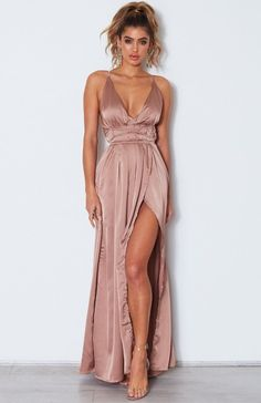 Akela Maxi Dress Bronze Akela Maxi Dress Bronze Source by arifraioli The post Akela Maxi Dress Bronze appeared first on How To Be Trendy. Hoco Dresses, Event Dresses, Satin Dresses, Ball Dresses, Summer Dresses, Formal Dresses, Rose Gold Dresses, Backless Maxi Dresses, Formal Outfits