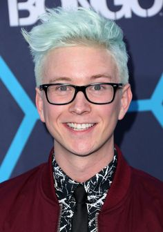 Tyler Oakley Photos Photos: Arrivals at the Young Hollywood Awards — Part 3 Most Popular Youtubers, Top Youtubers, Famous Youtubers, Trevor Moran, Lgbt Youth, Ricky Dillon, Joey Graceffa, Jc Caylen, Lgbt Rights