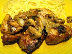 Frango com cogumelos na Actifry by a galinha maria, via Flickr