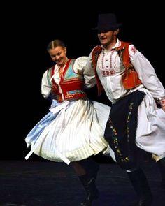 Šariš, Slovakia Saris, Style, Fashion, Moda, Sarees, La Mode, Fasion, Saree, Fashion Models