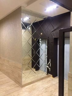 Mirrored wall, square mirrors placed on a diagonal for a diamond shape. Adds lots of light and dimension to this narrow hall Glass Design, Wall Design, Home Room Design, House Design, Beveled Mirror, Modern Interior Design, Interior Decorating, Room Decor, Square Mirrors