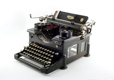 Reconditioned Royal 10 Antique Typewriter - Four Glass Pane Version with Rare Elite Font - Excellent Condition Antique Typewriter by MahoganyRhino on Etsy