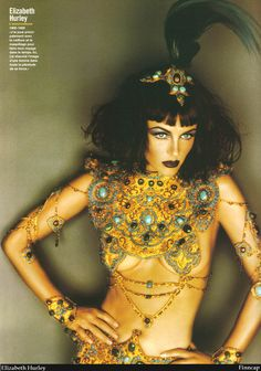 Elizabeth Hurley as Cleopatra Egyptian Fashion, Egypt Culture, Elizabeth Hurley, Egyptian Goddess, Traditional Fashion, Couture Fashion, Body Jewelry, Style Icons, Style Inspiration