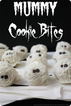 Mummy Cookie Bites by @Alyssa {The Recipe Critic} + 29 other easy to decorate Halloween cookies!