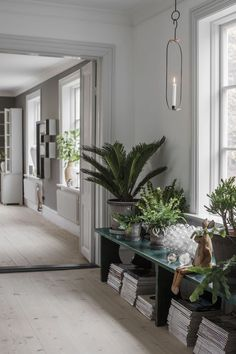 A dreamy Scandi home in a former museum (Daily Dream Decor) Living Room Plants, Living Room Decor, Living Spaces, Decoration Inspiration, Interior Inspiration, Interior Natural, Home And Living, Home And Family, Sweden House