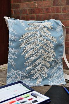 How to make a messenger bag Messenger Bag, Competition, Throw Pillows, Fabric, How To Make, Crafts, Bags, Inspiration, Tejido