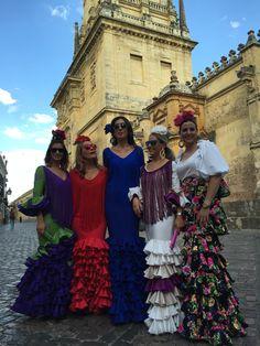 Todas vestidas de Charo Cañas, diseñadora flamenca Cordobesa. Lo mejor para adornar la Mezquita :)