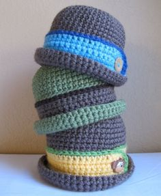 Kill me now I've died and gone to baby hat heaven! :-)