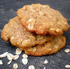 Oatmeal Sugar free cookies - have to try and make gf! Sugar Free Cookie Recipes, No Sugar Desserts, Sugar Free Deserts, Sugar Free Baking, Sugar Free Sweets, Sugar Free Cookies, Diabetic Cookies, Diabetic Desserts, Healthy Cookies
