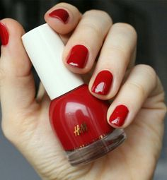 H&M well red