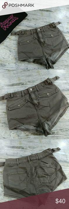 Ecote cheeky high rise shortie shorts Ecote High rise- high waist Cheeky  shortie shorts  Size 26 Super short super sexy!!!! Shorts