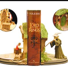 Lord of the Rings Book and Bookends Gift Set. This is so absolutely perfect in so many ways that I don't even know what do with my life anymore. True story.